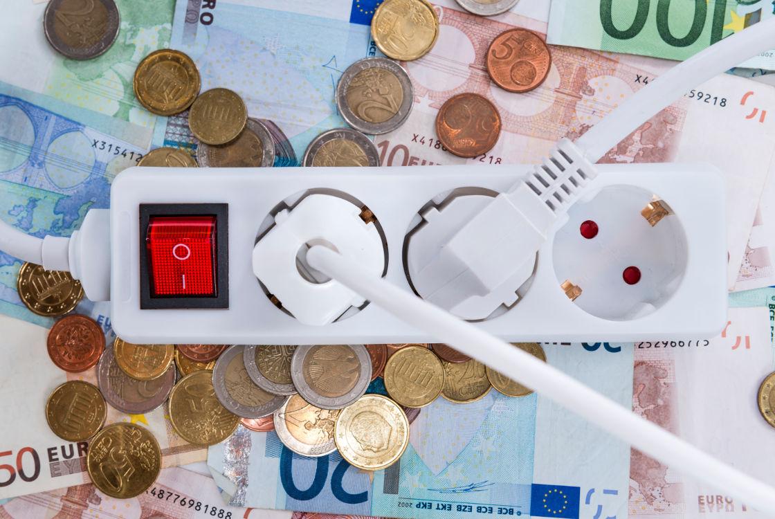 Un piccolissimo apparecchio applicato al tuo impianto elettrico e risparmi l'8% della corrente!!